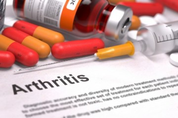 Medicinal treatment of osteoarthritis in the knee and the hip