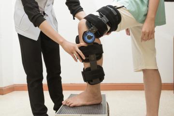 שחיקת סחוס בברך – יתכן וצריך להחליף מפרק